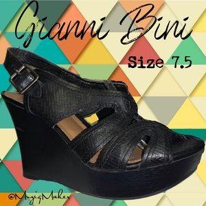 GIANNI BINI Platform Sandals. Size 7.5